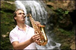 Саксофонист Syntheticsax (Михаил Морозов)