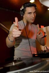 DJ DUX