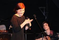 Lila von Grau