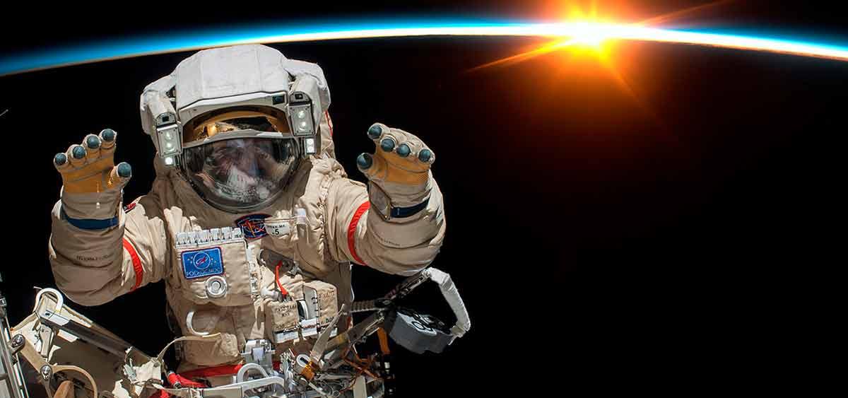 Космонавтам на МКС записали любимую музыку