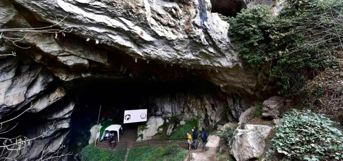 Во Франции 15 добровольцев заперлись в пещере на 40 дней для научного эксперимента