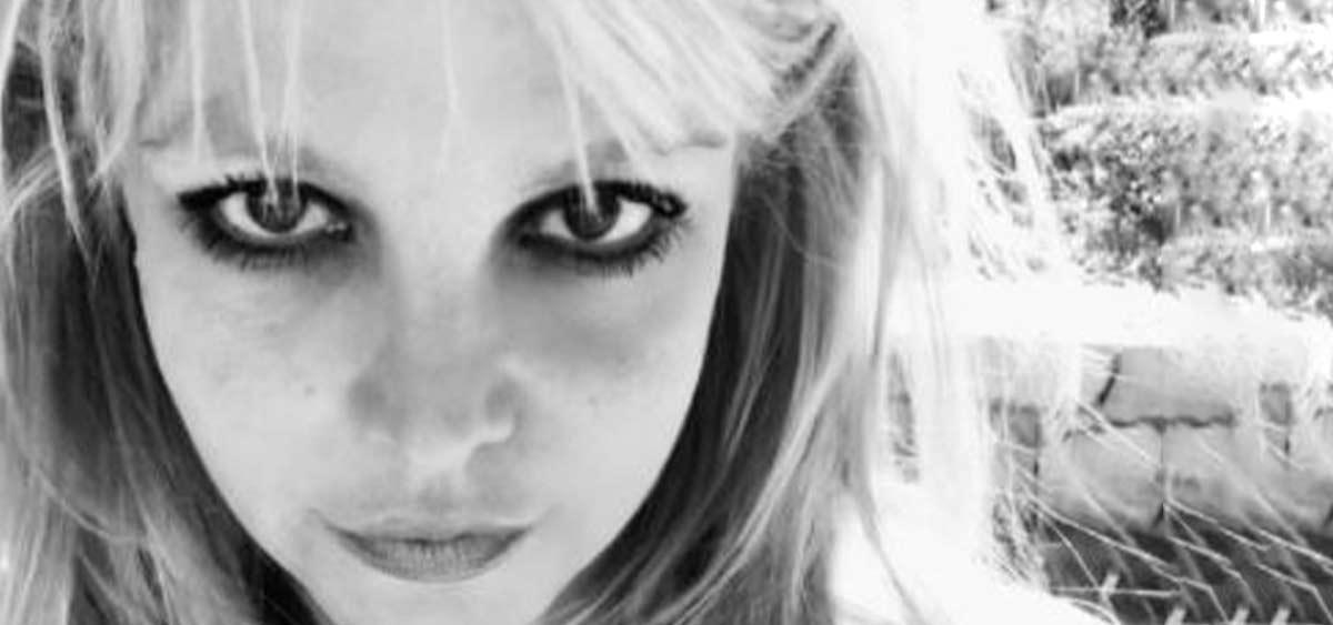 Бритни Спирс напугала поклонников жутким фото